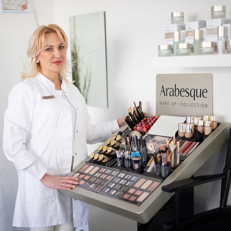 """Kosmetik- und Nagelstudio """"Ellenia"""" in Bretten"""
